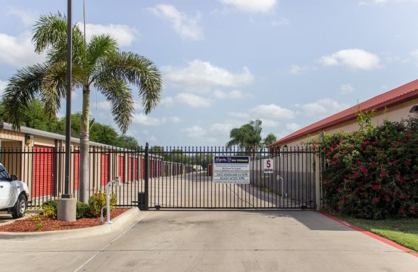 Move It Self Storage - Griffin Parkway 2545 E Griffin Pky Mission, TX - Photo 2
