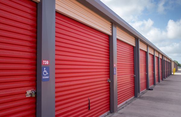Move It Self Storage - Griffin Parkway 2545 E Griffin Pky Mission, TX - Photo 12