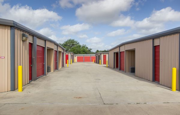 Move It Self Storage - Griffin Parkway 2545 E Griffin Pky Mission, TX - Photo 13