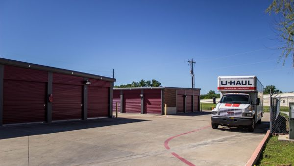 Move It Self Storage - Villa Maria 1429 West Villa Maria Road Bryan, TX - Photo 4