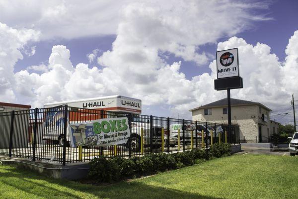Move It Self Storage - Ayers Street 5560 Ayers St Corpus Christi, TX - Photo 3