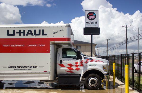 Move It Self Storage - Ayers Street 5560 Ayers St Corpus Christi, TX - Photo 4