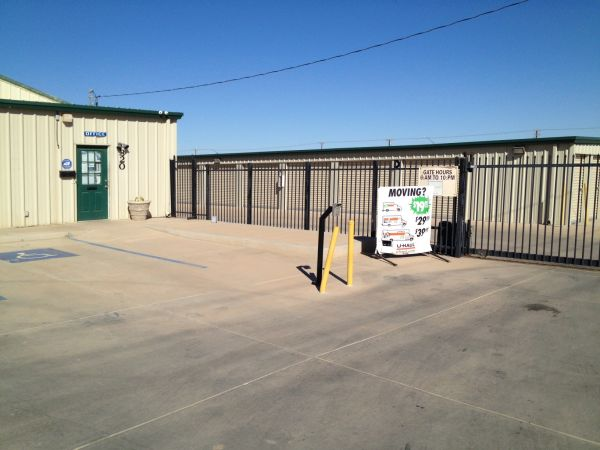 StorWise Imperial 320 West Aten Road Imperial, CA - Photo 0