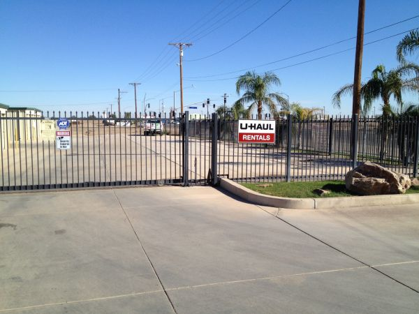StorWise Imperial 320 West Aten Road Imperial, CA - Photo 3