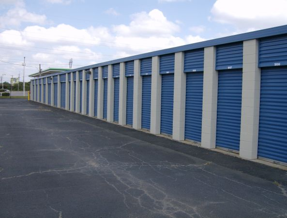 Move It Self Storage - Getwell 2700 Getwell Rd Memphis, TN - Photo 3