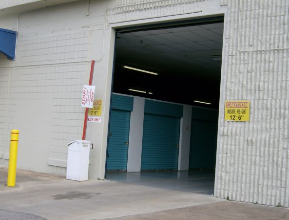 Move It Self Storage - Getwell 2700 Getwell Rd Memphis, TN - Photo 7