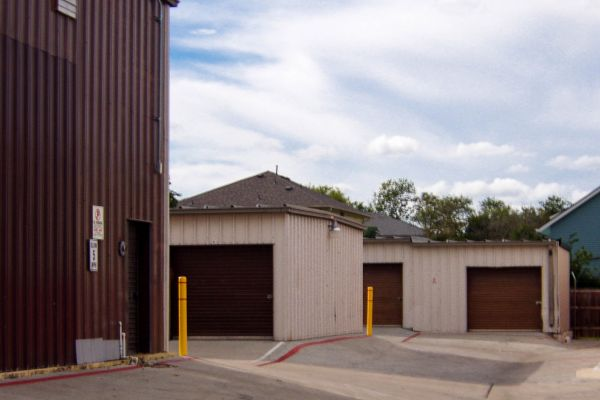 US Storage Centers - Austin - 201 West Stassney Lane 201 West Stassney Lane Austin, TX - Photo 4