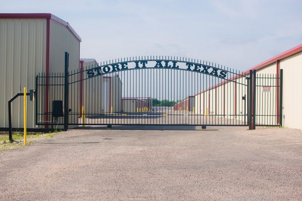 Store It All Texas 4701 Interstate 30 Frontage Road Caddo Mills, TX - Photo 5