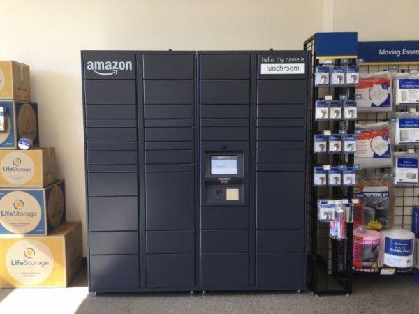 Life Storage - Milwaukee - West Saint Paul Avenue 420 West Saint Paul Avenue Milwaukee, WI - Photo 7