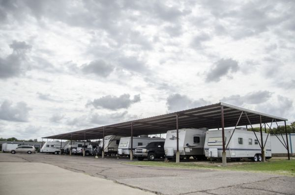 HGS Self Storage - Hewitt - 605 N Hewitt Dr 605 N Hewitt Dr Hewitt, TX - Photo 2