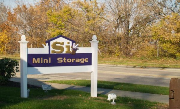 SI Mini Storage 436 15th St NW Barberton, OH - Photo 0