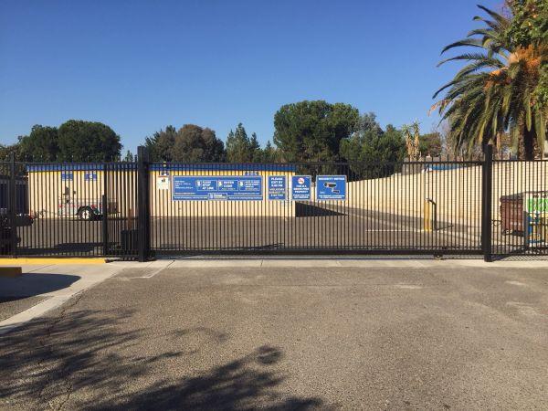 Storage Solutions - Manteca 1735 East Yosemite Avenue Manteca, CA - Photo 2