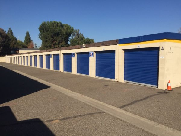 Storage Solutions - Manteca 1735 East Yosemite Avenue Manteca, CA - Photo 4