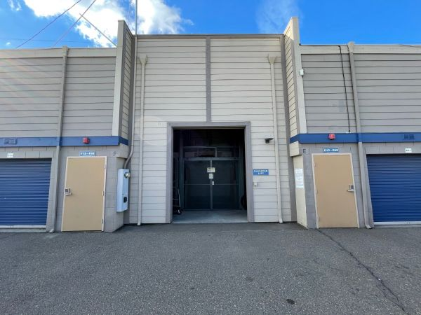 Storage Solutions - Manteca 1735 East Yosemite Avenue Manteca, CA - Photo 9
