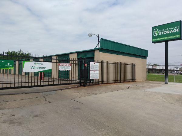 Great Value Storage - Texas City, Loop 197 1910 25th Avenue North Texas City, TX - Photo 1