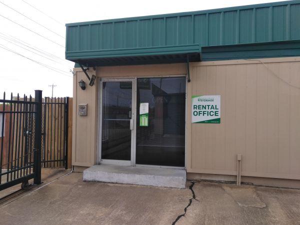 Great Value Storage - Texas City, Loop 197 1910 25th Avenue North Texas City, TX - Photo 2