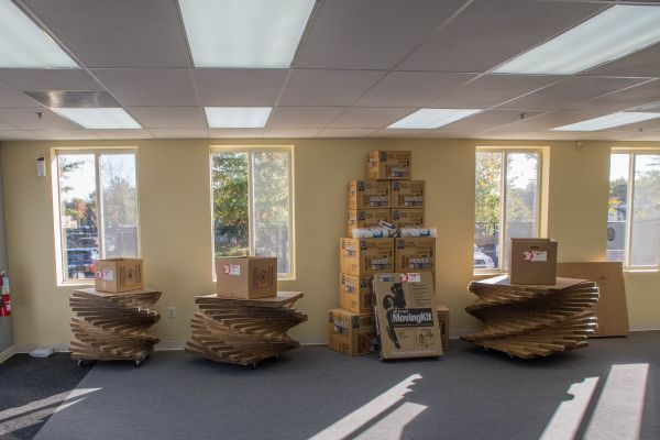 Backlick Storage 6880 Commercial Drive Springfield, VA - Photo 2
