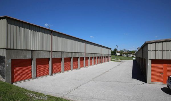 A-1 Locker Rental Self Storage - Fenton 300 Schneider Drive Fenton, MO - Photo 4