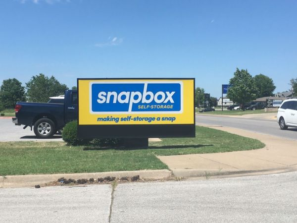 Snapbox Self Storage - 24th Street 104 N 24th St Rogers, AR - Photo 15