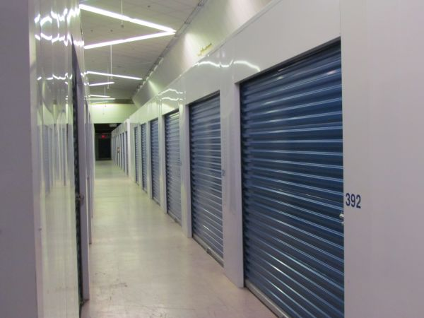 Snapbox Self Storage - Geyer Springs Rd 8015 Geyer Springs Rd Little Rock, AR - Photo 9