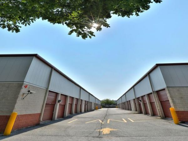 Storage Rentals of America - New Castle - 2 Bellecor Drive 2 Bellecor Drive New Castle, DE - Photo 4