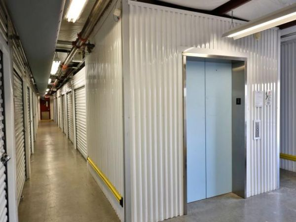 Storage Rentals of America - Newark - 101 Executive Drive 101 Executive Drive Newark, DE - Photo 5