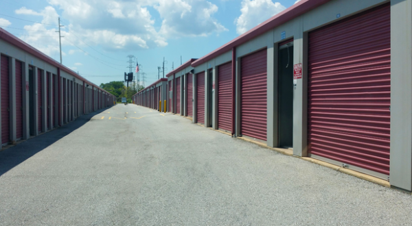 Storage Rentals of America - Wilmington - 1215 Centerville Road 1215 Centerville Road Wilmington, DE - Photo 1