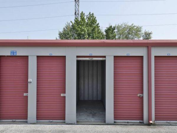 Storage Rentals of America - Wilmington - 1215 Centerville Road 1215 Centerville Road Wilmington, DE - Photo 4