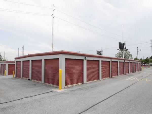 Storage Rentals of America - Wilmington - 1215 Centerville Road 1215 Centerville Road Wilmington, DE - Photo 5
