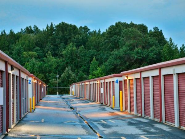 Storage Rentals of America - Wilmington - 1215 Centerville Road 1215 Centerville Road Wilmington, DE - Photo 9