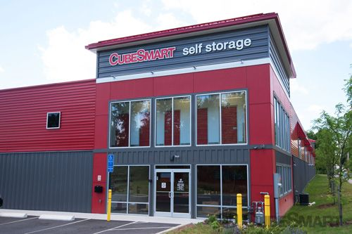 CubeSmart Self Storage - Hamden - 450 Putnam Avenue 450 Putnam Avenue Hamden, CT - Photo 0