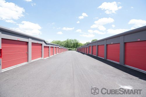 CubeSmart Self Storage - Hamden - 450 Putnam Avenue 450 Putnam Avenue Hamden, CT - Photo 4