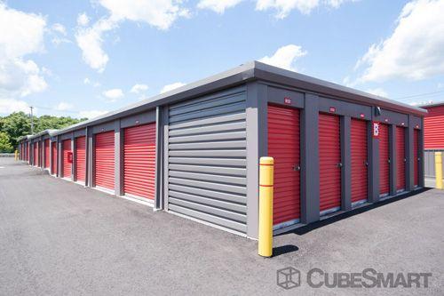 CubeSmart Self Storage - Hamden - 450 Putnam Avenue 450 Putnam Avenue Hamden, CT - Photo 5