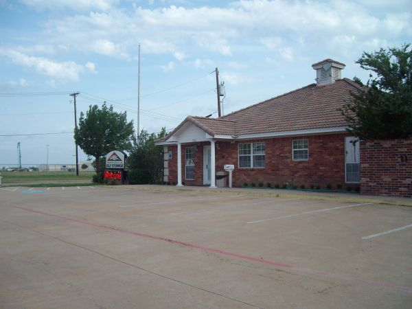 A Armadillo Self Storage 5333 South Collins Street Arlington, TX - Photo 1