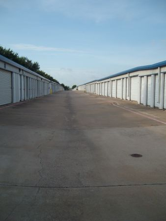 A Armadillo Self Storage 5333 South Collins Street Arlington, TX - Photo 5