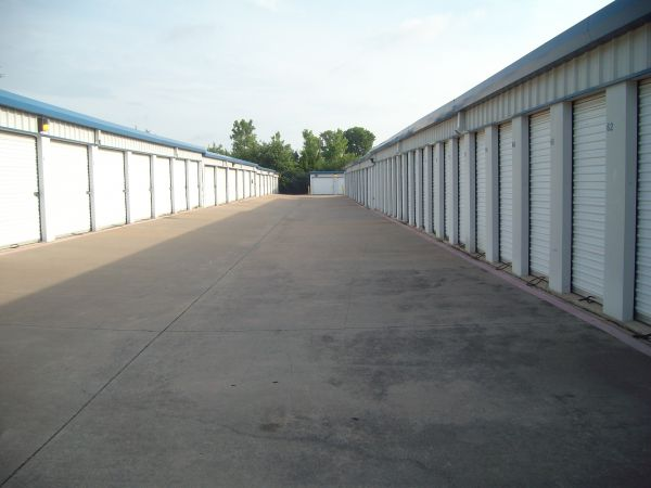 A Armadillo Self Storage 5333 South Collins Street Arlington, TX - Photo 7