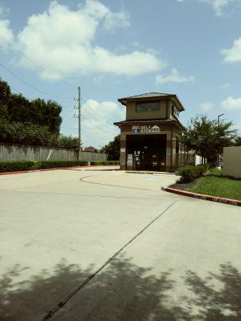 Hwy 6 Storage 5905 Highway 6 North Houston, TX - Photo 4