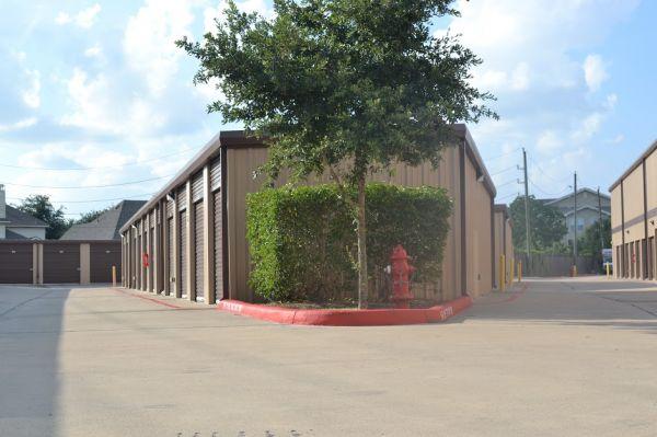 Hwy 6 Storage 5905 Highway 6 North Houston, TX - Photo 6