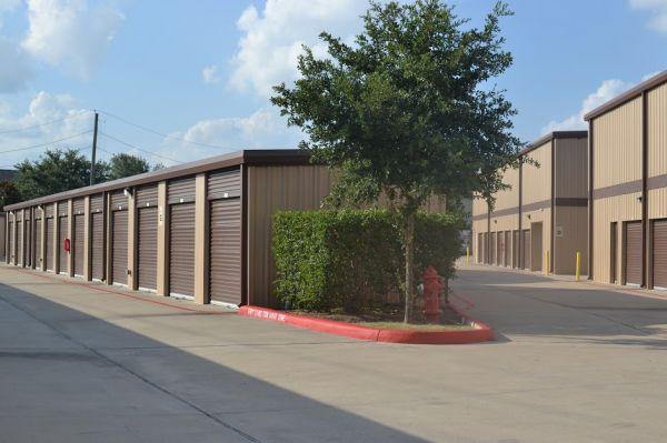 Hwy 6 Storage 5905 Highway 6 North Houston, TX - Photo 7