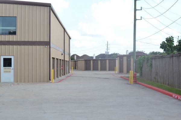 Hwy 6 Storage 5905 Highway 6 North Houston, TX - Photo 9