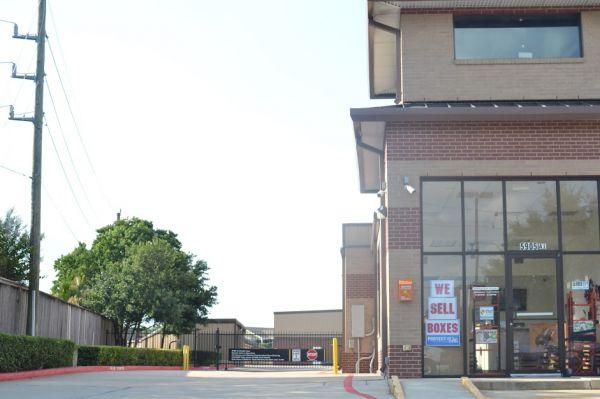 Hwy 6 Storage 5905 Highway 6 North Houston, TX - Photo 12