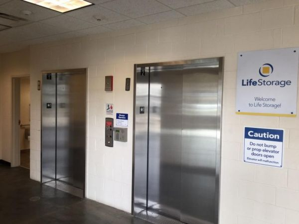 Life Storage - Arlington Heights 1414 North Rand Road Arlington Heights, IL - Photo 7