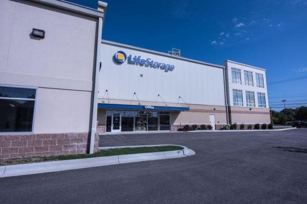 Life Storage - Arlington Heights 1414 North Rand Road Arlington Heights, IL - Photo 4