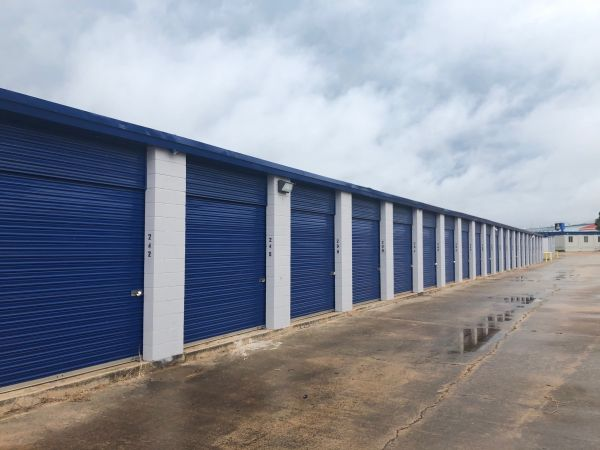 Simply Self Storage - 13401 N Indiana Avenue - Chisholm Creek 13401 North Indiana Avenue Oklahoma City, OK - Photo 5