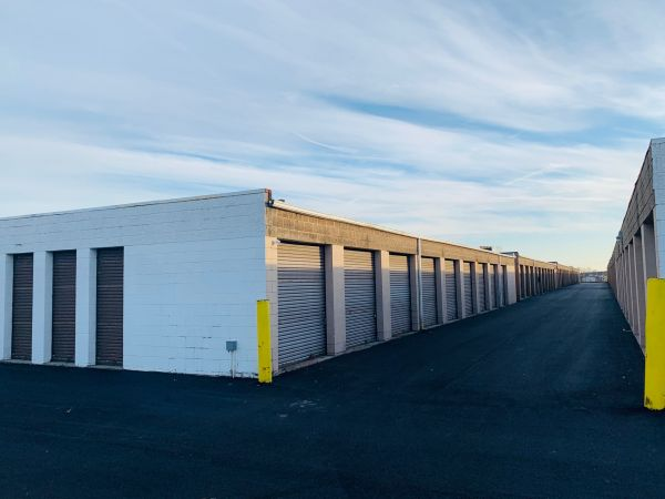 Rite Storage 24-Hour Storage 2501 East Oakton Street Arlington Heights, IL - Photo 1