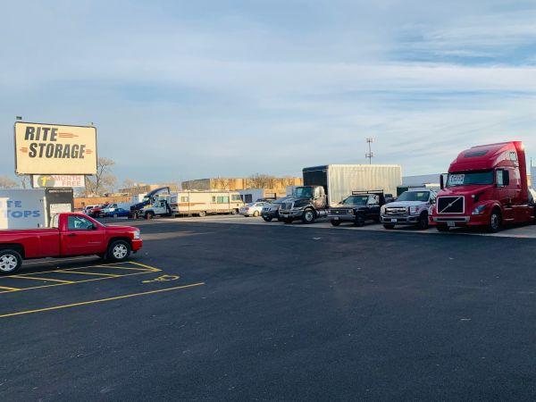 Rite Storage 24-Hour Storage 2501 East Oakton Street Arlington Heights, IL - Photo 2