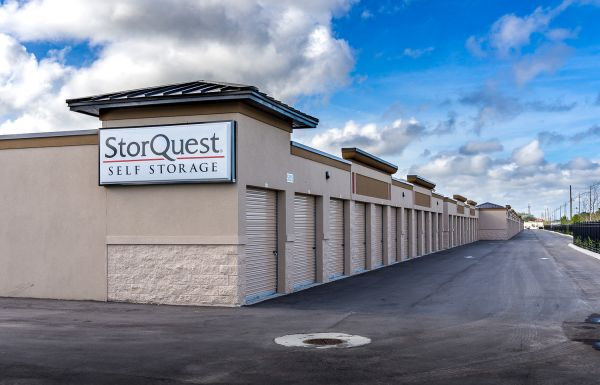 StorQuest - Vero Beach/US Hwy 1 605 US Highway 1 Vero Beach, FL - Photo 2