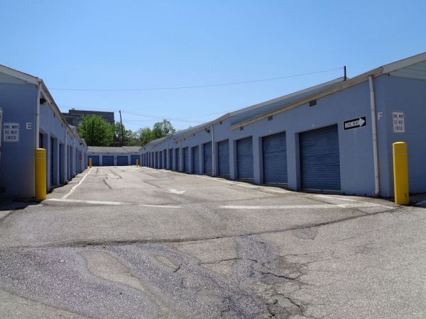 Prime Storage - Baltimore - 3220 Wilkens Ave 3220 Wilkens Avenue Baltimore, MD - Photo 4