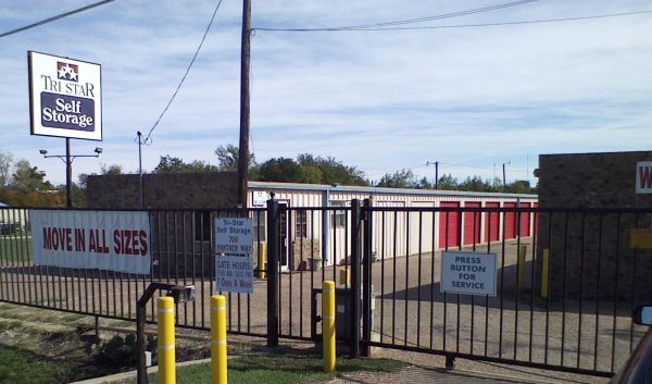 Tri Star Self Storage - Hewitt 700 Panther Way Hewitt, TX - Photo 0