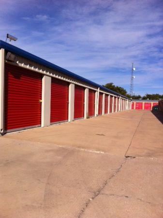 Tri Star Self Storage - LaSalle 2518 LaSalle Ave Waco, TX - Photo 1